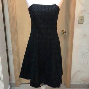 Black sleeveless party dress